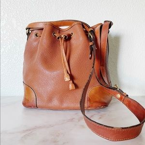 LEATHER CO || Drawstring Leather Bucket Bag